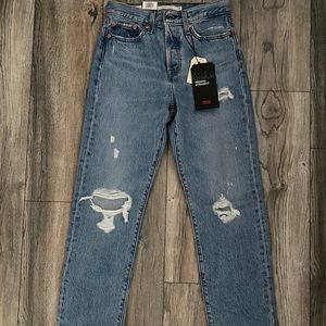 Levi's wedgie fit straight leg mom jeans. NWT